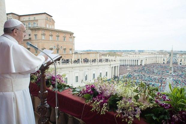 Papa Francisco discursando aos Fiéis