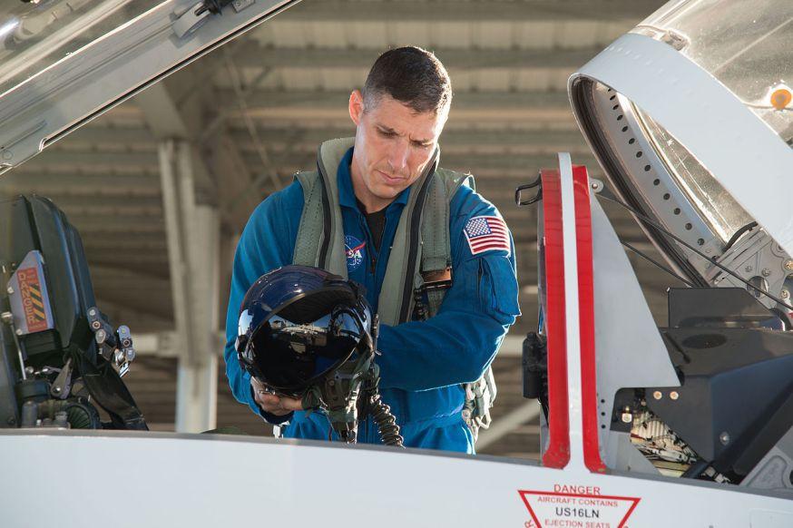 Mike Hopkins se preparando para viagem (NASA/Regan Geeseman)