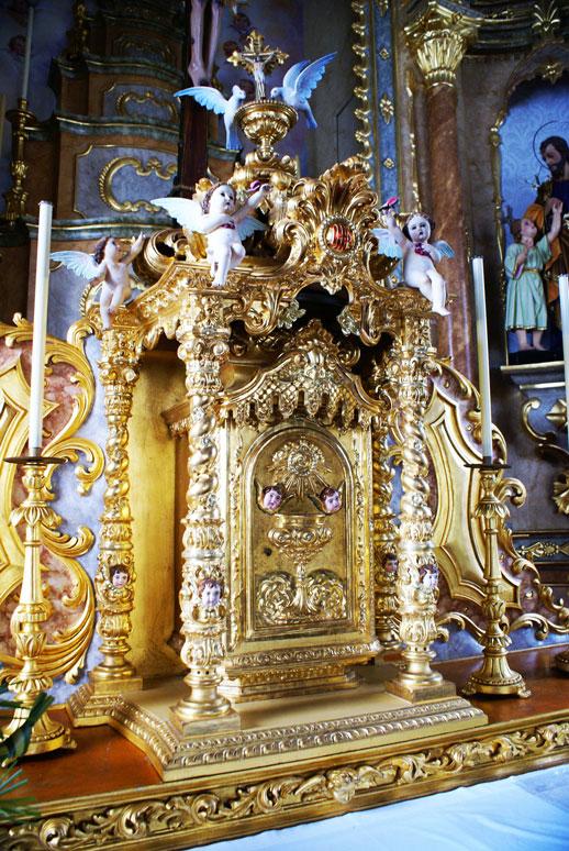 Sacrário, Igreja Católica