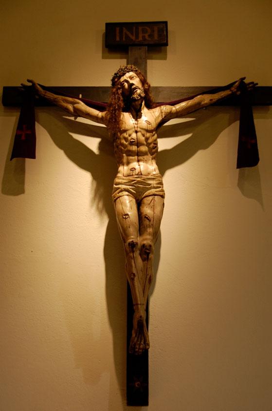 Grande livro que é o Crucifixo