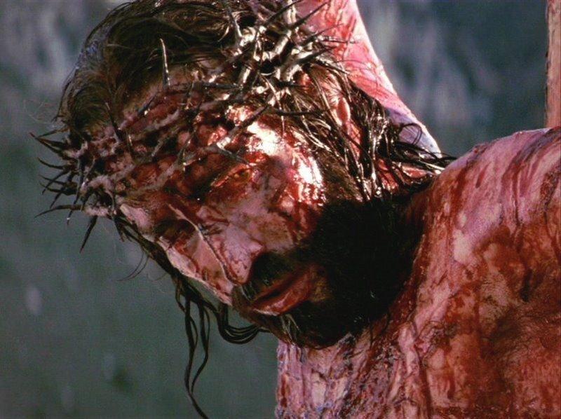 Lancemos um olhar a Jesus Crucificado