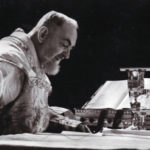 A santa Missa dá a Deus uma honra infinita